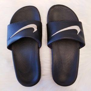 Nike Boys Sandals Size 5